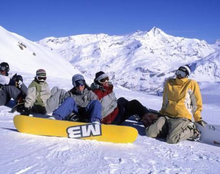 CORSI DI SCI E SNOWBOARD A MONGINEVRO VALANGA AZZURRA TORINO PRONTI A INIZIARE LA LEZIONE DI SNOW A MONGINEVRO