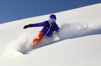 CORSI SI SCI E SNOWBOARD A MONGINEVRO VALANGA AZZURRA TORINO A SCUOLA DI SNOWBOARD A MONGINEVRO